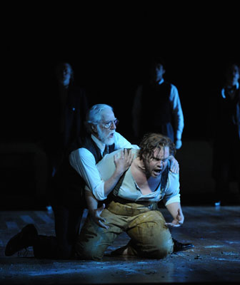 10. peter carroll as dr crabbe stuart skelton as peter grimes in opera australias peter grimes sw09 branco gaica 13.10.2009
